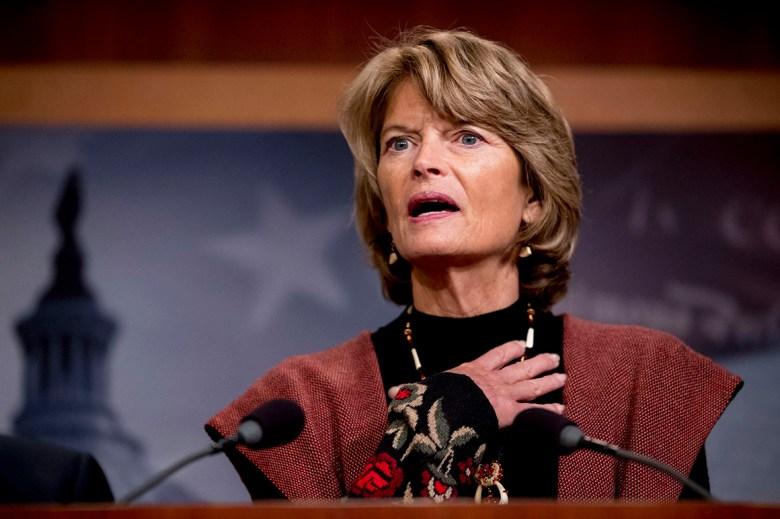 Shutdown, default odds increase as GOP buckles up to block debt limit hike