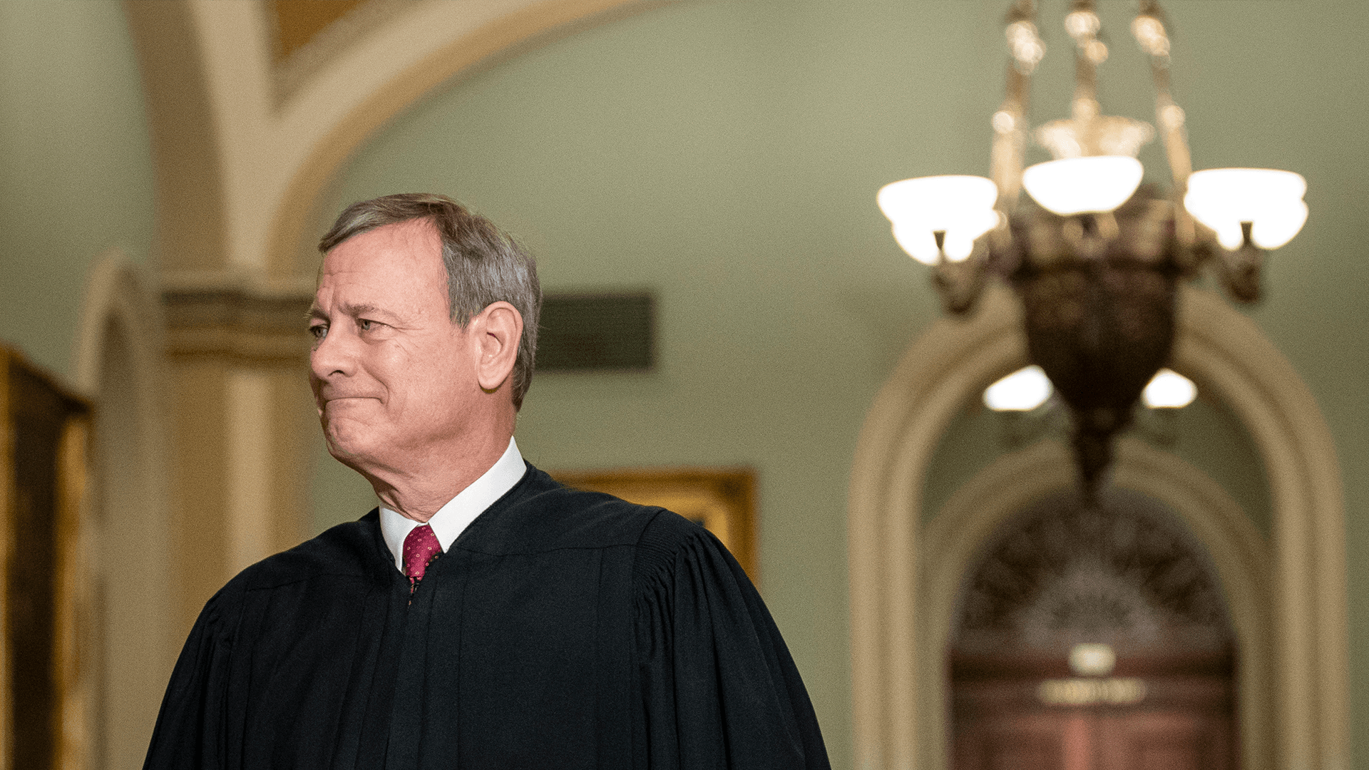Chief Justice scolds House managers and WH counsel following an exchange of insults