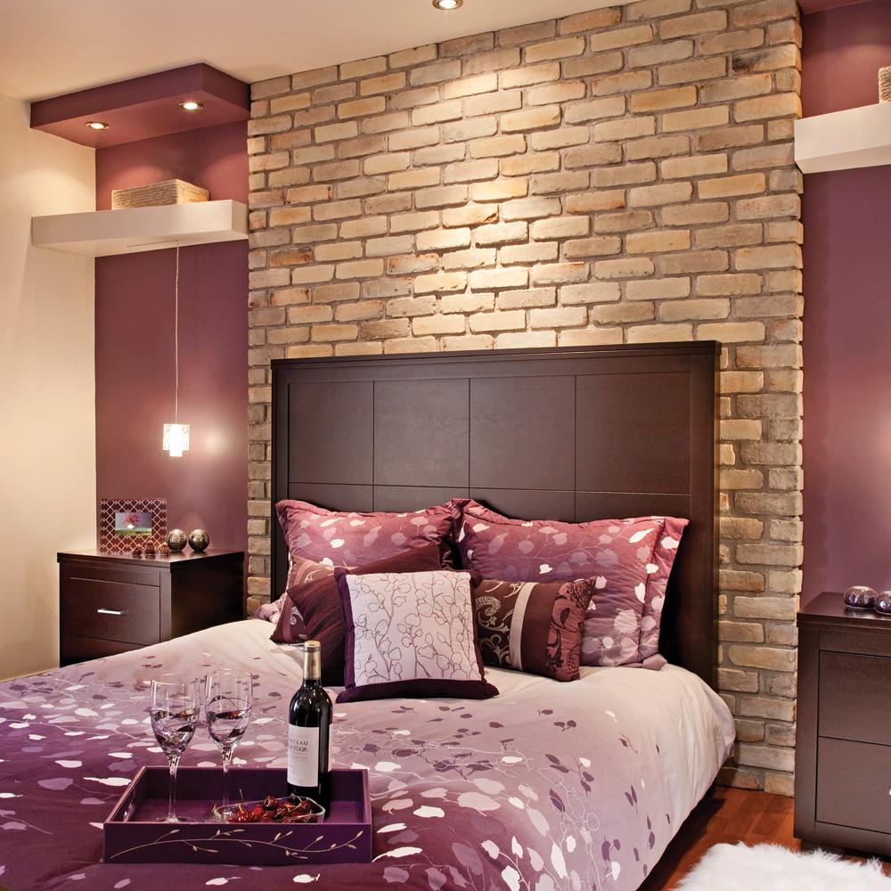 Chaleureuse brique pour la chambre du soussol  Chambre  Avant aprs  Dcoration et