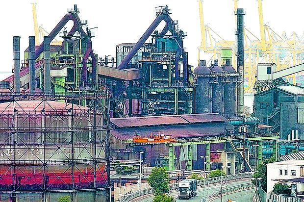 Škedenjska železarna je dolgoletna onesnaževalka zraka na Tržaškem.