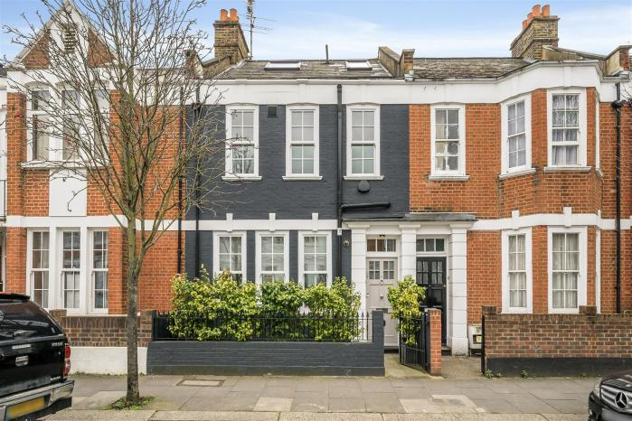 renovated victorian terraced house in Fulham London