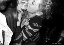 Jennifer Eymère kissing Daphné Hézard at Le Montana, Paris. Photo Olivier Zahm