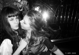 Two girls kissing at Le Montana, Paris. Photo Olivier Zahm