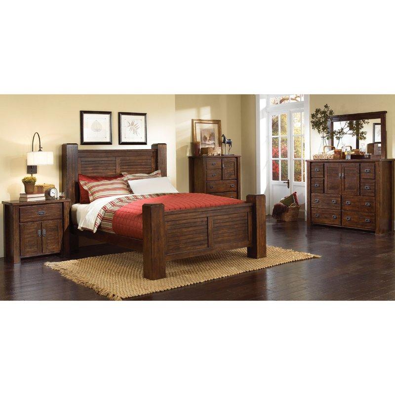 Trestlewood 6Piece CalKing Bedroom Set