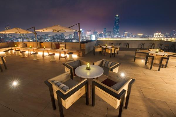 Hotels Near Central Park Station Prices Easy Booking
