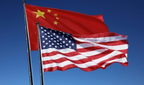 Bendera Cina dan AS. Ilustrasi.