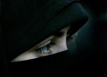 Fatwa Qardhawi: Apakah Cadar Itu Bid'ah?
