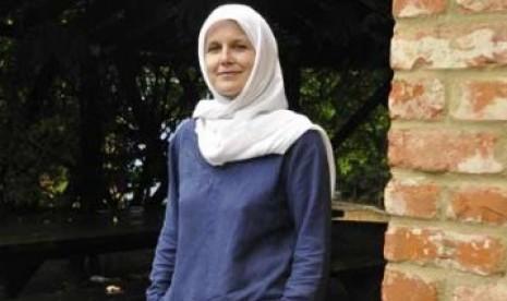 Lucy Bushill-Matthews, Menemukan Damai dalam Islam (1)