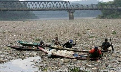 Sampah di Sungai Citarum, Jawa Barat