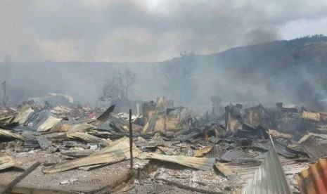 Sisa-sisa masjid Tolikara yang dibakar