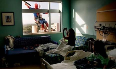 Kocak, Ini Dia Profesi Baru Spiderman
