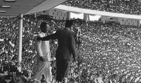 Ulang tahun PKI pada tahun 1964 di Senayan.