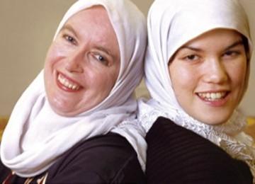 Kisah Ibu dan Anak yang Sama-sama Mencari 'Tuhan' dan Menemukannya dalam Islam