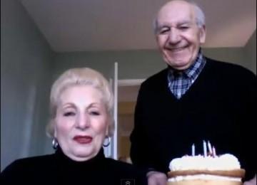 'Kau Dengar Suara Klik Frank?'...Rekaman Kakek-Nenek Bermain Webcam Jadi Hits di Youtube