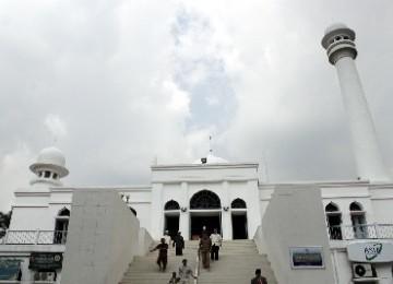 Ratusan Orang Jadi Mualaf di Masjid Al Azhar Jakarta, Mereka Bilang Islam Agama Menenangkan