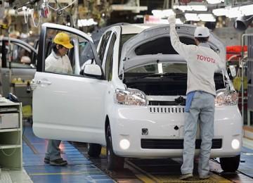 Tsunami Ganggu Pasokan Toyota ke Indonesia