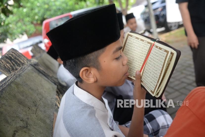 Santri Program Pembibitan Penghafal Alquran Daarul Quran