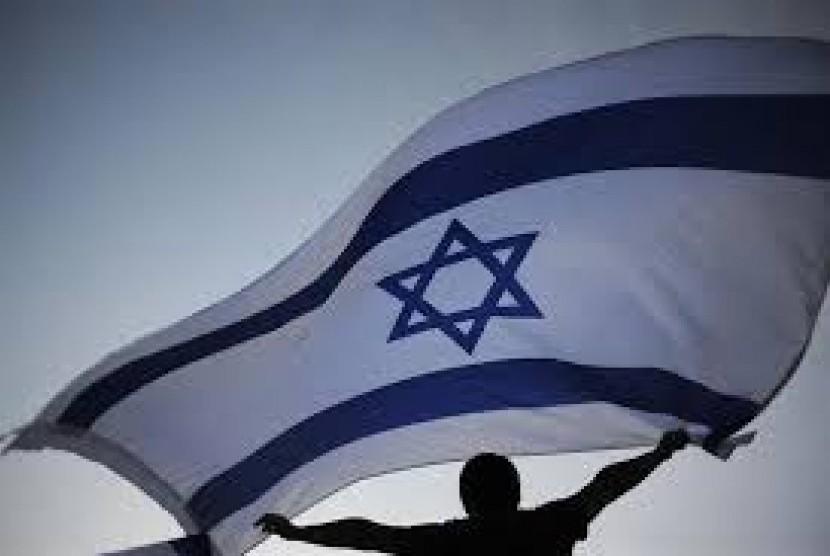 Bendera Israel dikibarkan.
