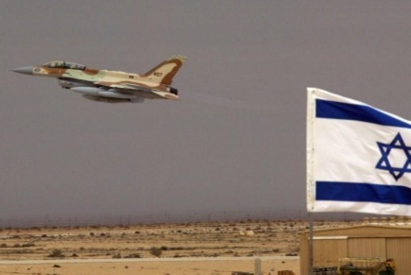 Jet tempur Israel, F-16 lepas landas.