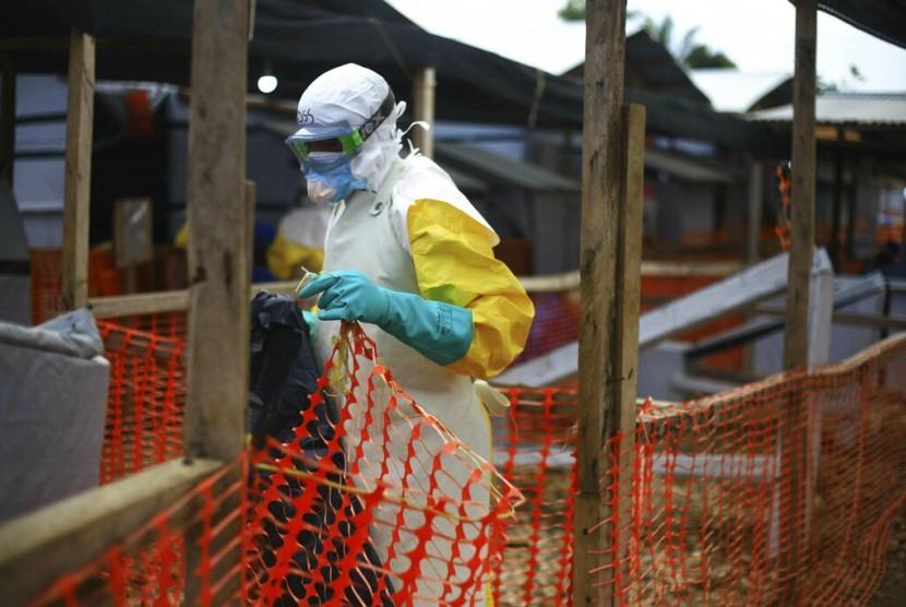 Perdana, Virus Ebola Dikonfirmasi Lewati Perbatasan | Republika Online
