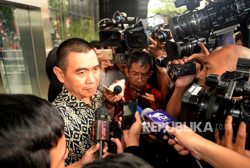Wali Kota Malang Mochamad Anton seusai menjalani pemeriksaan di gedung KPK, Jakarta, Selasa (22/8).