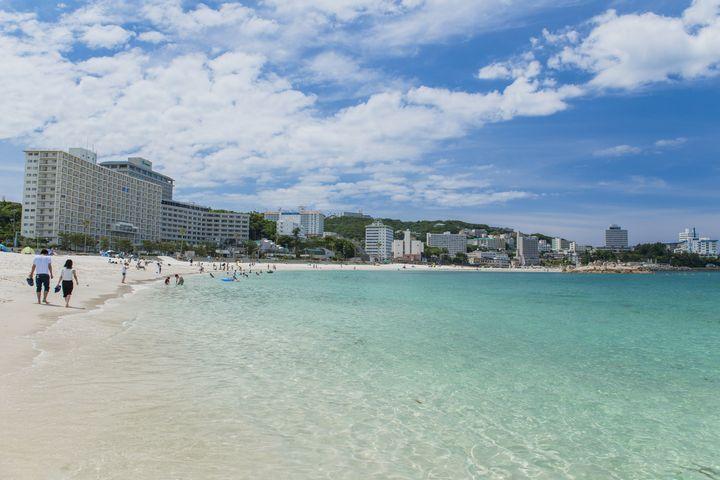 羽田から一時間で行く日本のハワイ!まるでワイキキビーチような「白良浜」とは