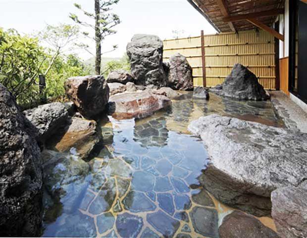 7種類の個性的な温泉が並んでいて、是非家族連れで訪れてほしい温泉です!