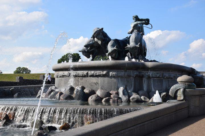 おとぎ話の街コペンハーゲンを垣間見れる?ゲフィオンの泉に行ってみよう!