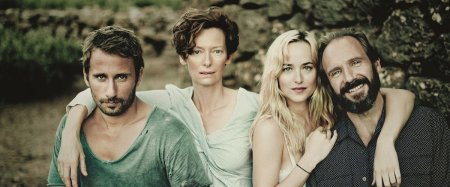 De cast van A Bigger Splash op een rij met Matthias Schoenaerts, Tilda Swinton, Dakota Johnson & Ralph Fiennes