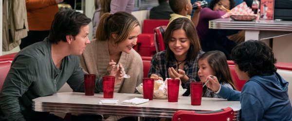 t Mark Wahlberg, Rose Byrne, Isabela Moner, Julianna Gamiz, Gustavo Quiroz in Instant Family recensie