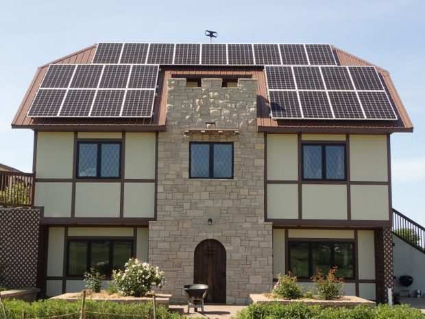 Kevin & Valerie's home after their rooftop solar installation.