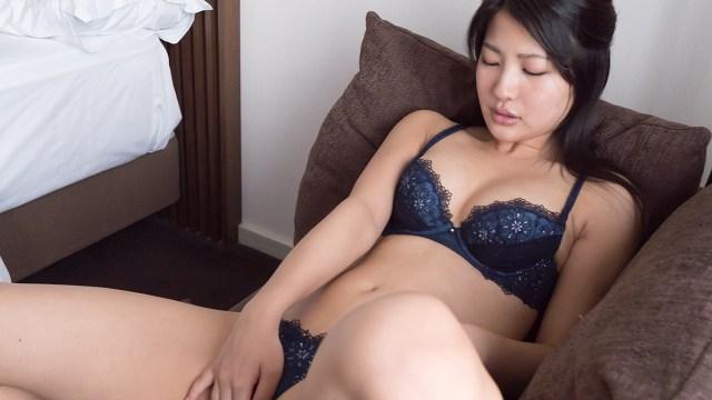 ソファーで膣イキオナニー/Aoi #704 Aoi