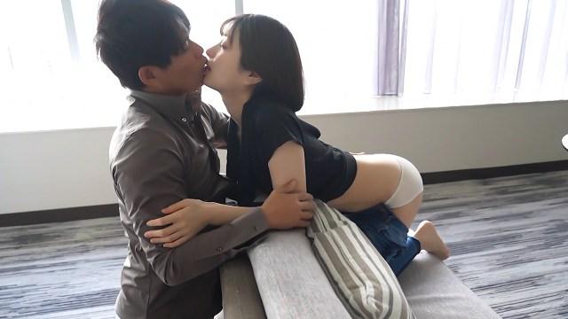 アイドル級の可愛さの美少女としっぽりSEX/Aoi