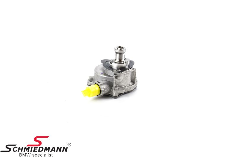 Vacuum pump for the brake system (is installed on the