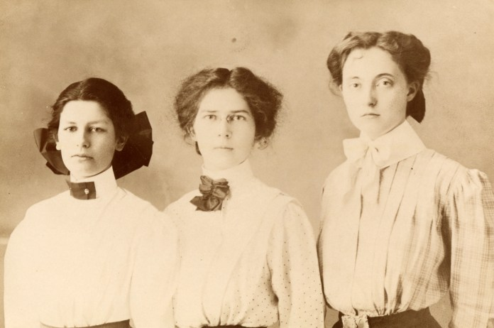 The 1909 Albany College Debate Team.