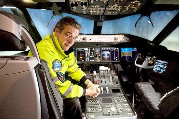 Chief 787 Test Pilot Ready To Put Boeing S New Dreamliner