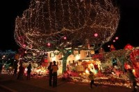 Holiday-light displays brighten Seattle streets | The ...