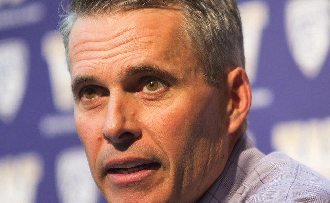 Chris Petersen Returns To Boise For An Awkward Uw Season