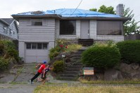 http://www.seattletimes.com/business/real-estate/toxic-west-seattle-home-that-sparked-insane-bidding-war-replaced-with-12m-box-house/