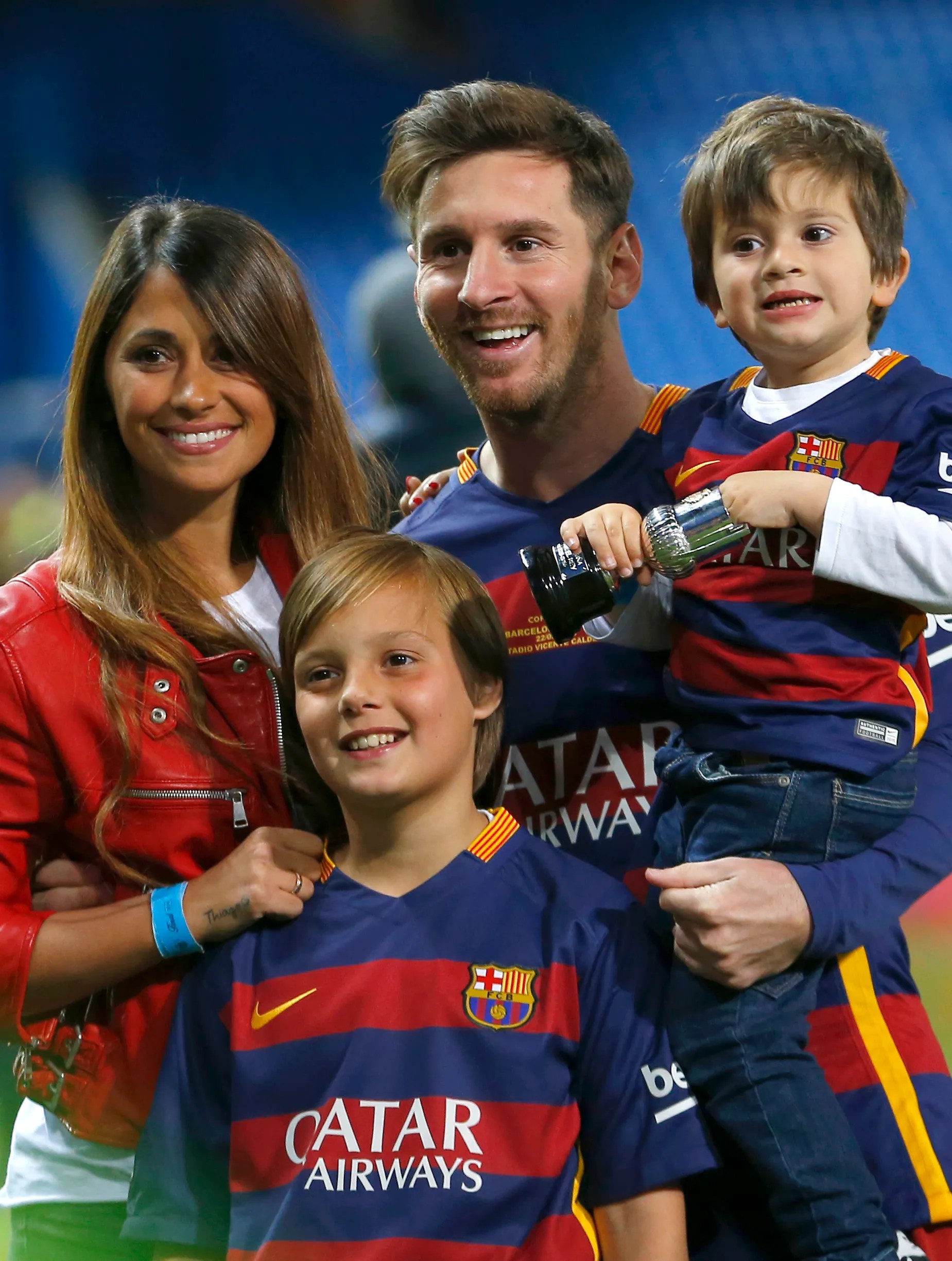 Lionel Messi Childhood : lionel, messi, childhood, Not-so-shy, Messi, Tying, Childhood, Sweetheart, Seattle, Times