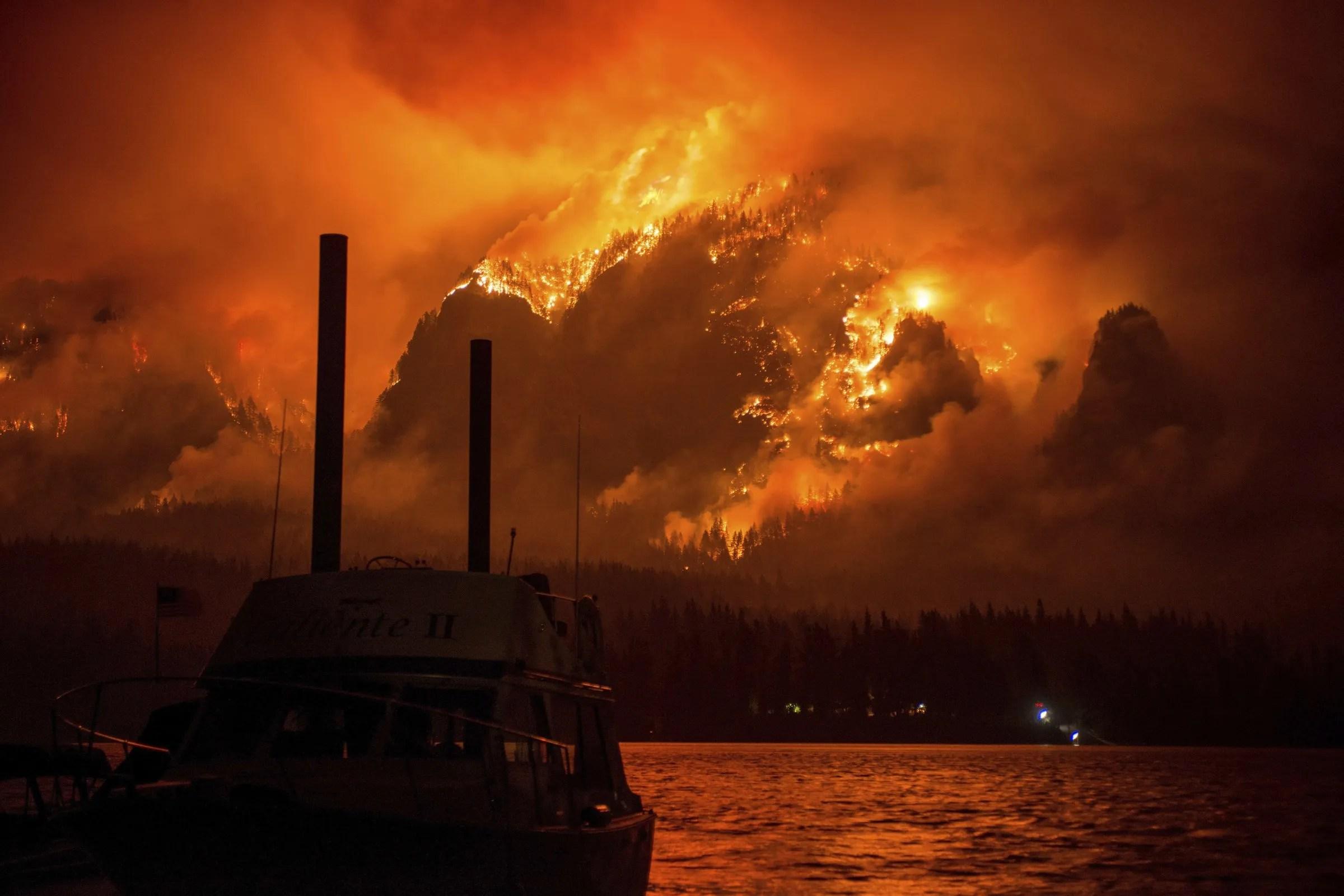 Multnomah Falls Oregon Winter Wallpaper Ash Falls Like Snow In Seattle As Wildfires Rage In