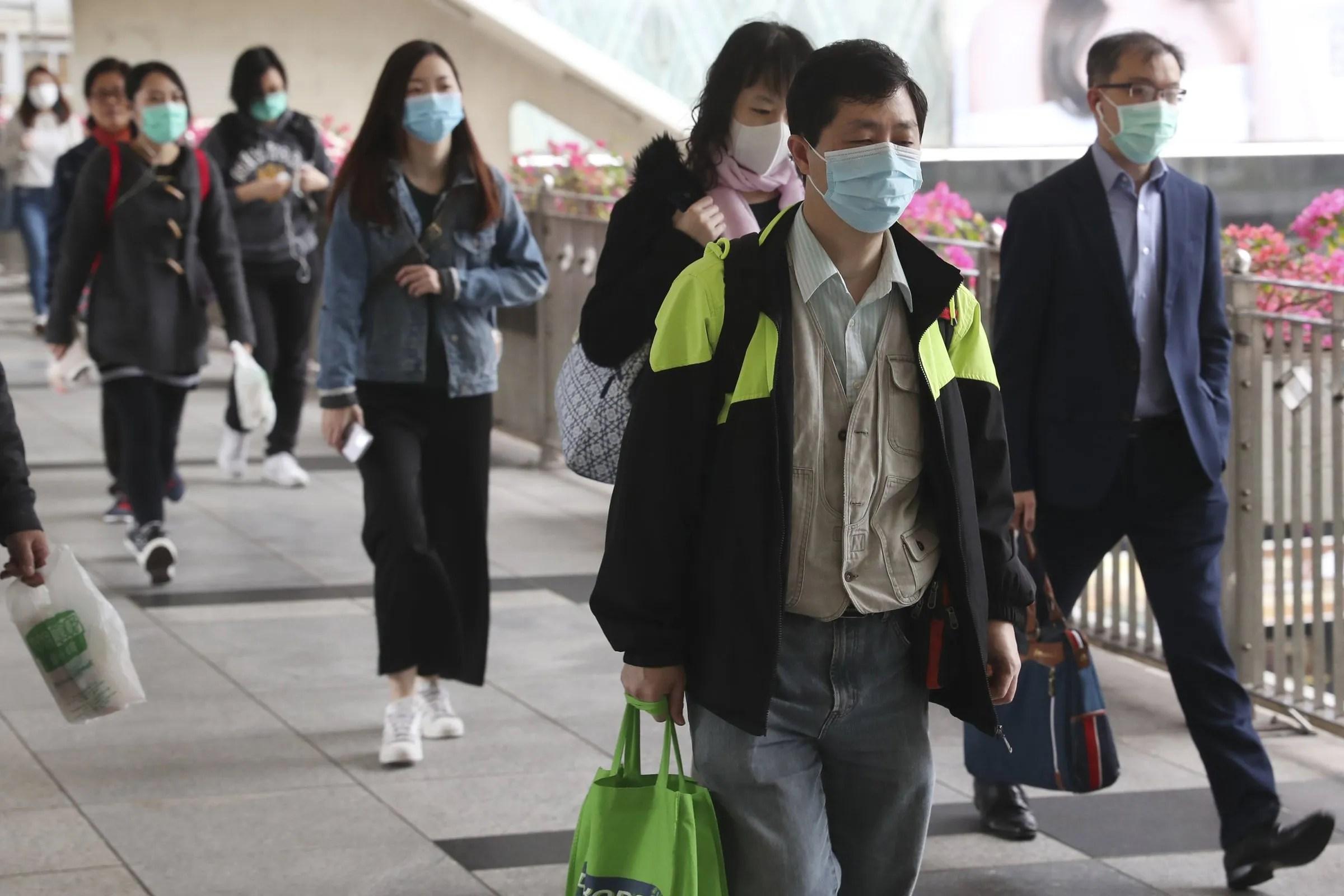 Q&A: Do face masks protect against coronavirus? Do I need one ...