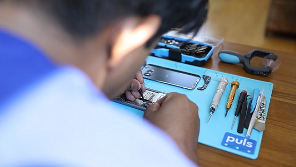 Puls: On-the-Spot Phone Repair