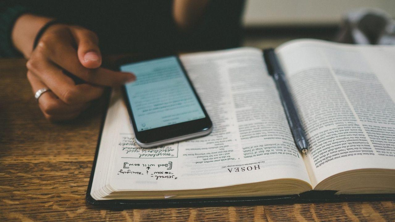 Fiyatsız kitap okuyabileceğiniz taşınabilir uygulamalar 1