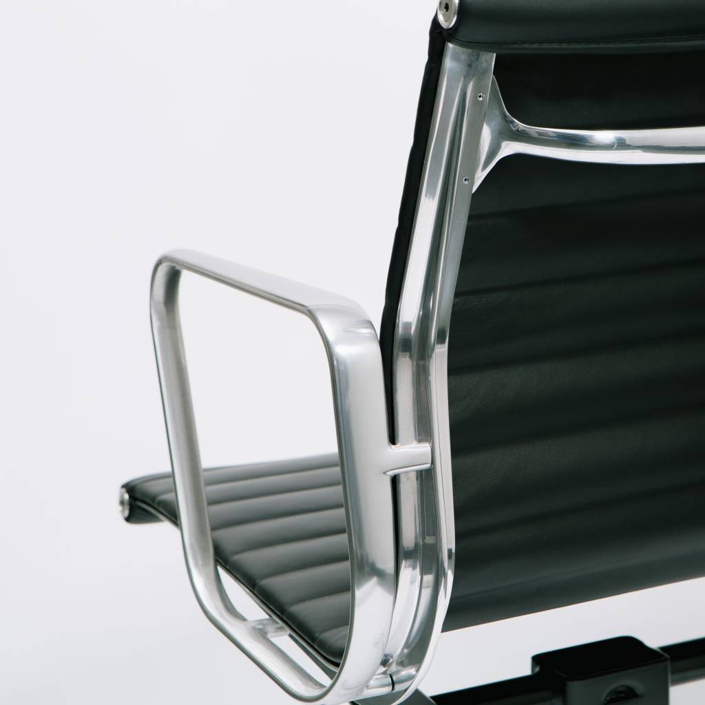 eames aluminum group management chair best massage for the money herman miller wilder