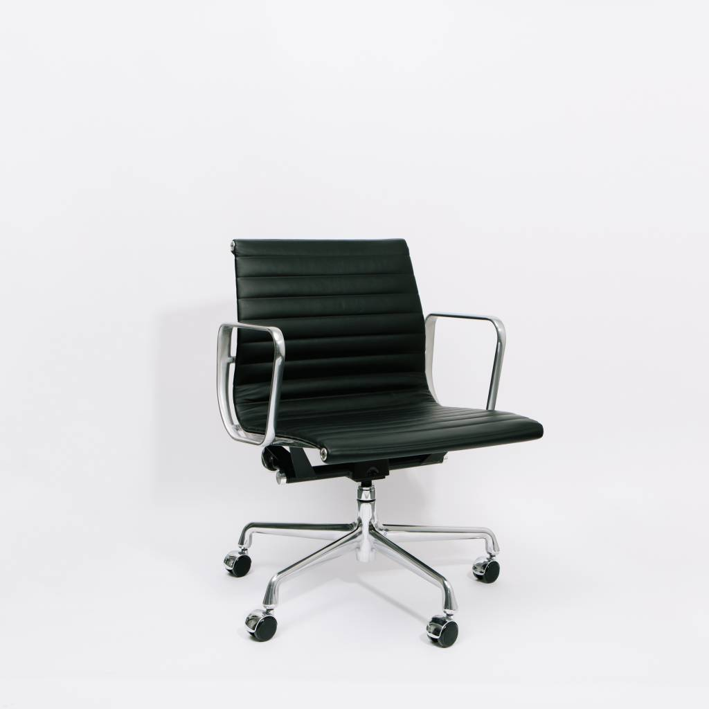 aluminum management chair best pc gaming eames group wilder