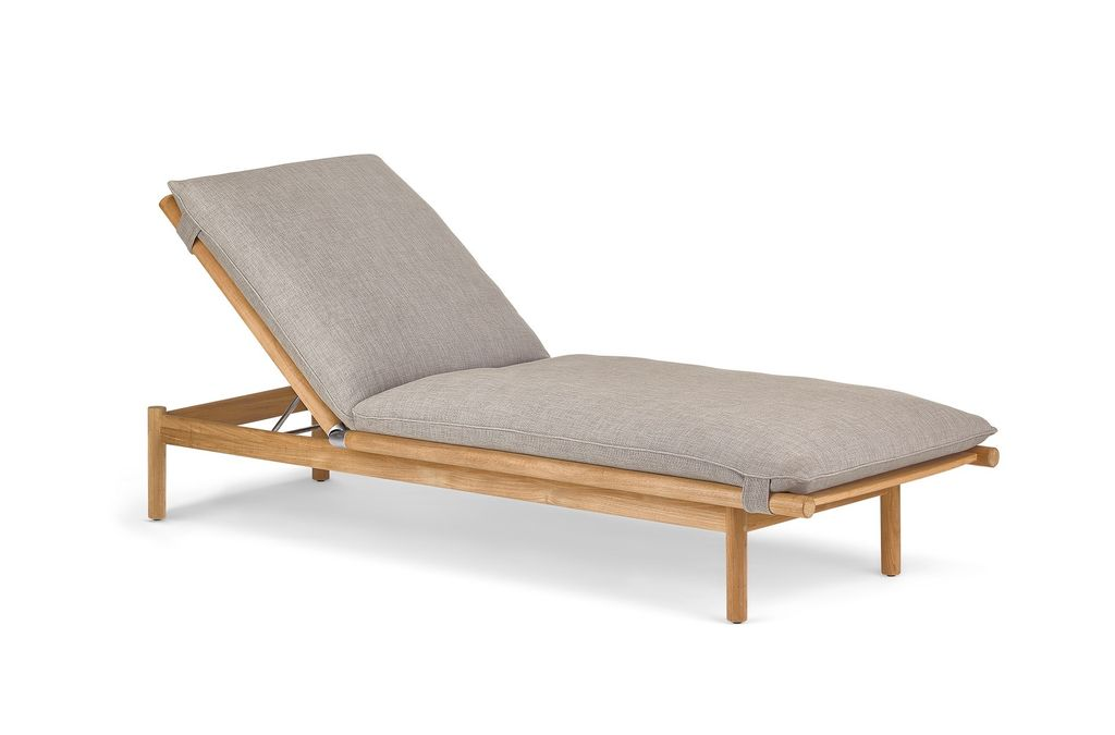 DEDON TIBBO BEACH CHAIR IN TEAK WITHOUT WHEELS