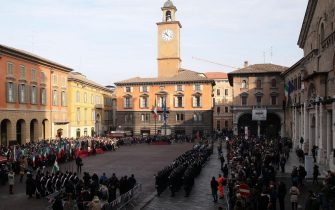 The flag ceremony in Piazza Prampolini during the National Flag Day and 218th anniversary of the birth of the Primo Tricolore in Reggio Emilia 7 January 2015.ANSA / ELISABETTA BARACCHI