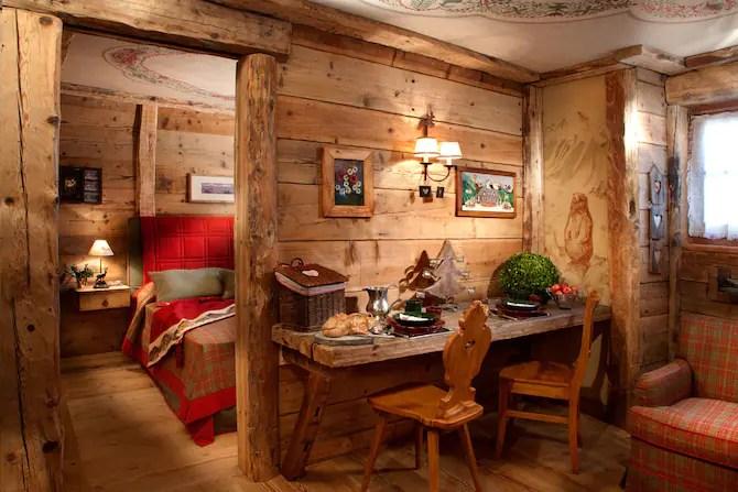 Un mix di materiali come metallo, legno e gres per decorare e impreziosire una casa di montagna. Chalet Di Montagna Per Un Weekend Romantico 20 Baite Sulle Alpi Italiane Foto