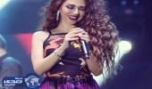 بالفيديو.. رقصة طريفة لميريام فارس مع أحد معجبيها